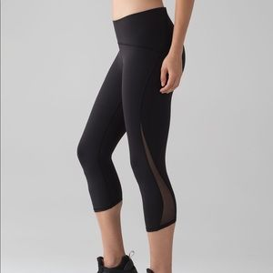 Lulu lemon train time crop leggings